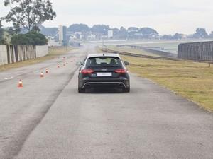 Audi RS4 em teste de aceleração no Autódromo de Interlagos, em São Paulo (Foto: Divulgação)