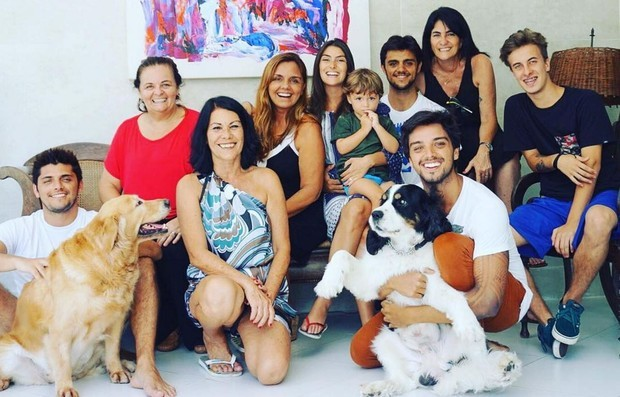 Família Simas no Natal 2016 (Foto: Reprodução/Instagram)