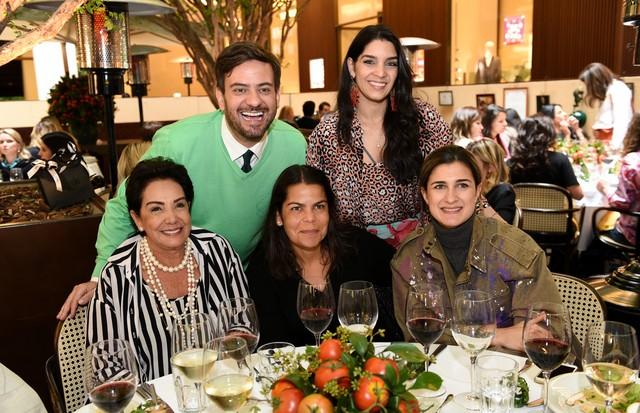 Cleuza Ferreira, Bruno Astuto, Daniela Falcão, Barbara Migliori e Juana Ferreira (Foto: Divulgação)