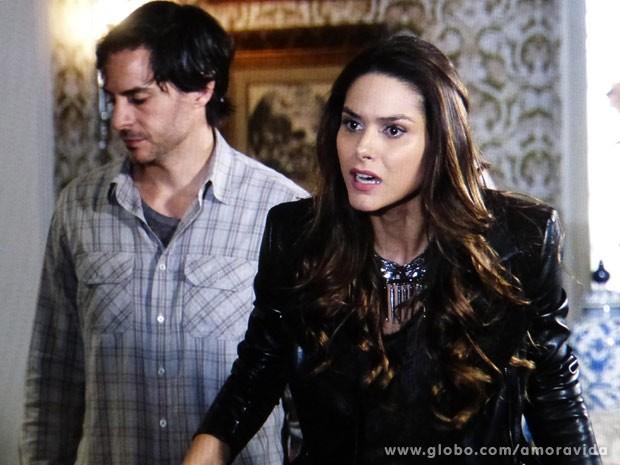 Leila perde o controle com Lídia (Foto: Amor à Vida / TV Globo)