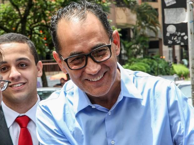 Ex deputado e presidente da camara, Joao Paulo Cunha, condenado no caso mensalao, chegando á VEP (Vara de Execucoes Penais), para cumprir sua pena em regime aberto (Foto: Joel Rodrigues/Frame/Estadão Conteúdo)