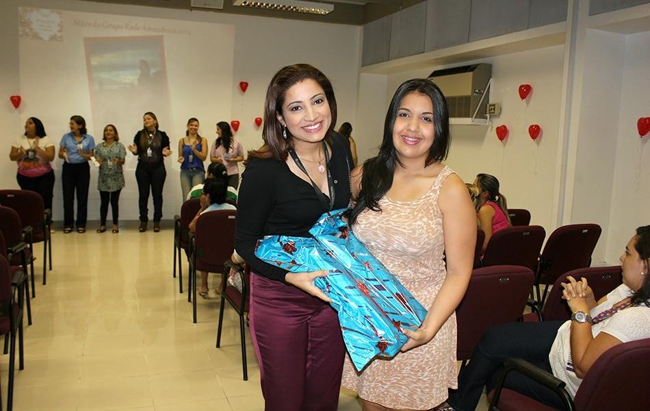 A apresentadora do Amazonas TV, Liliane Araújo, também participou das homenagens às mães (Foto: Onofre Martins)