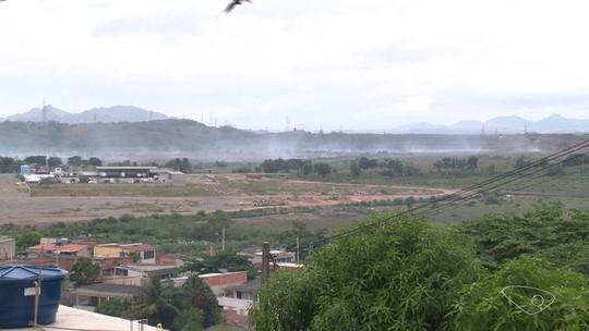 Fumaça da turfa que queima na Serra chega a Vitória