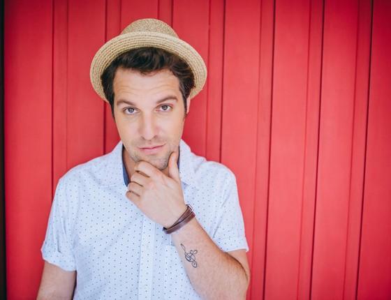 Rodrigo Lampreia - músico lança segundo single da carreira solo dia 11 (Foto: Raul Aragão)