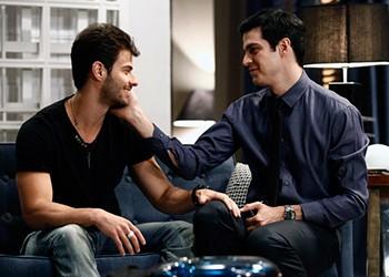 Lucas e Mateus Solano em 'Amor à Vida' (Foto: Rede Globo)