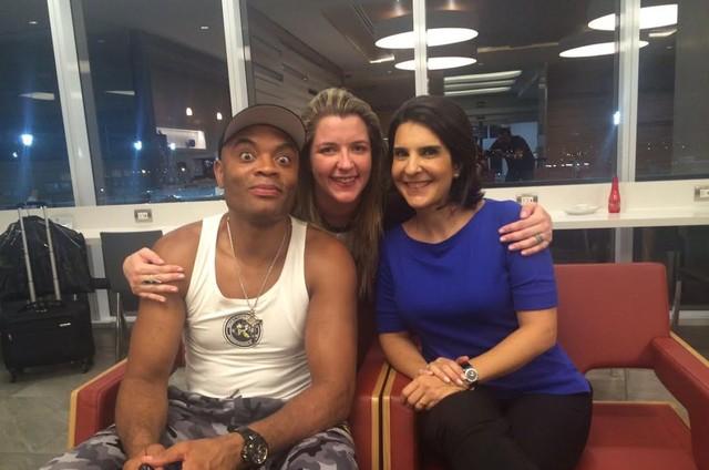 Anderson Silva com Ana Hissa e Vanessa Richie (Foto: Divulgação)
