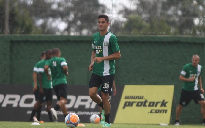 Diogo é a novidade para o jogo contra o Leão da Estradinha (Foto: Divulgação/ Site oficial Coritiba)