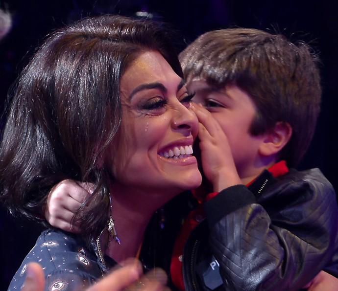 Impossível segurar as lágrimas com uma emoção dessas (Foto: TV Globo)