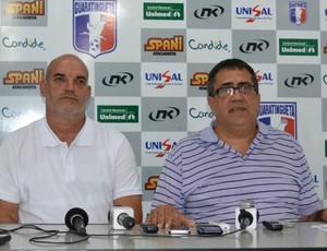 Flávio Alves, gerente de futebol, e Israel Vieira, presidente do Guaratinguetá (Foto: Filipe Rodrigues)