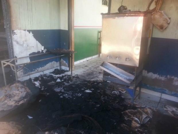 Incêndio foi contido por caminhões-pipa de usina de cana-de-açúcar de Barra do Bugres (Foto: Nilson Guedes/Arquivo pessoal)