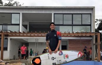 Medina gasta R$ 3 milhões para criar instituto que une surfe e educação