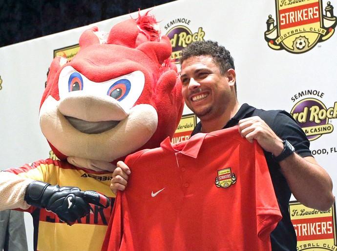 Ronaldo Fort Lauderdale Srtikers (Foto: Agência AP )