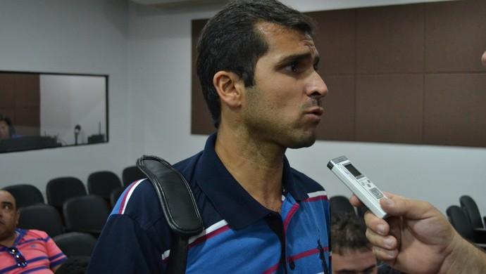 Matteus Ferraz, diretor de futebol do Santa Rita (Foto: Jota Rufino/GloboEsporte.com)