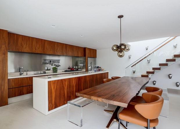 Os sabores e aromas da casa estão aqui  Casa Vogue  Ambientes # Armario De Cozinha Estilo Fazenda