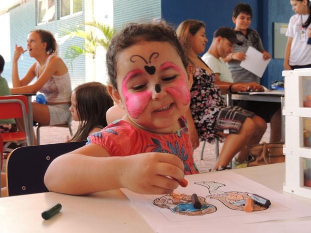 Muita gente saiu de rostinho colorido (Foto: Divulgação/RPC TV)