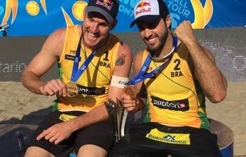 Bruno Schmidt e Alison são campeões do Finals e coroam temporada perfeita