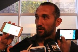 Barcos entrevista Lance de Craque D'Alessandro (Foto: Eduardo Deconto/GloboEsporte.com)