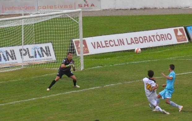 Joseense e Marília se enfrentam no estádio Martins Pereira (Foto: Daniel Mello \ Divulgação CAJ)