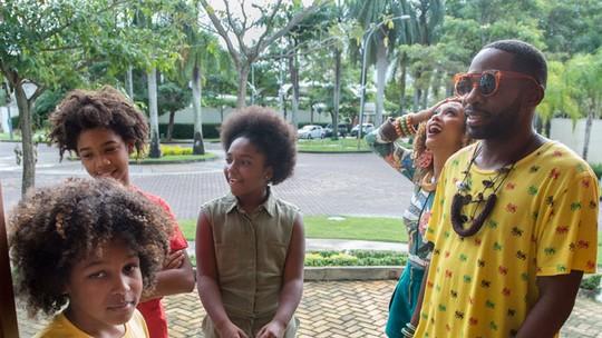 Brau e Michele 'adotam' crianças em último episódio de 'Mister Brau'; reveja!