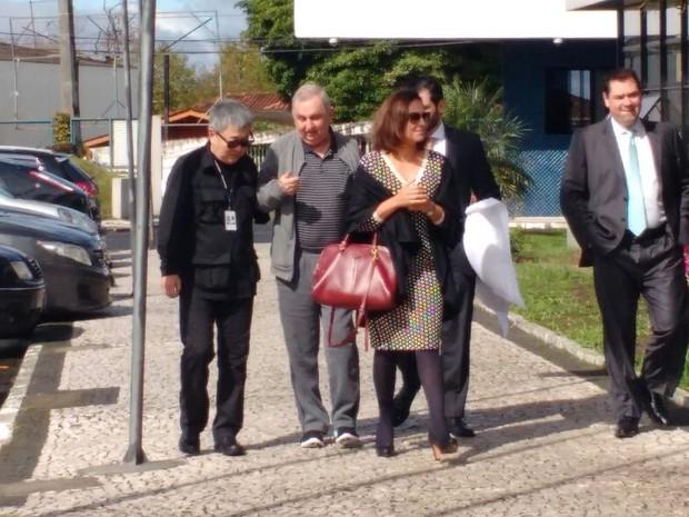 Bumlai chega à Superintendência da PF, em Curitiba (Foto: Ana Zimmerman / RPC)