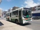 Ônibus é assaltado na Avenida Mário de Gusmão, na Ponta Verde