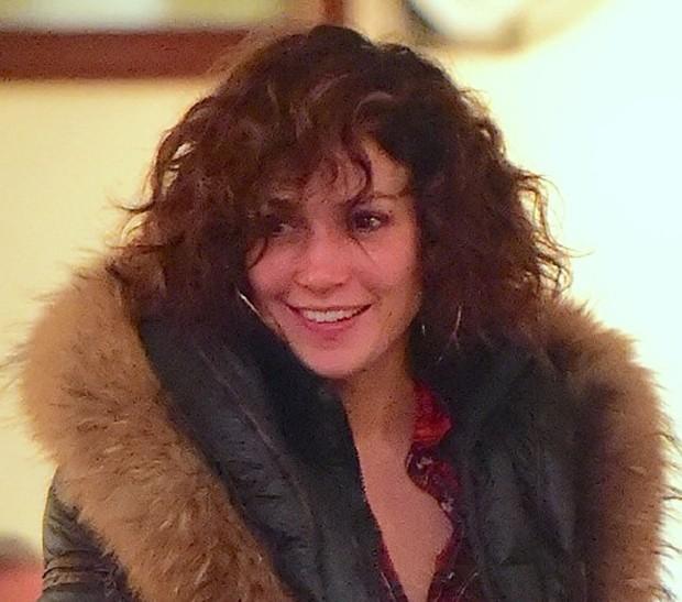 Jennifer Lopez sem maquiagem (Foto: AKM/GSI)
