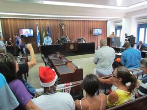 Denise Teixeira falou na tribuna da Câmara nesta quinta (Foto: Ketherine Giovanessa/Ascom Sepe Lagos)