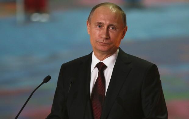 O presidente russo nega a versão defendida pelo dono do New England Patriots (Foto: Getty Images)