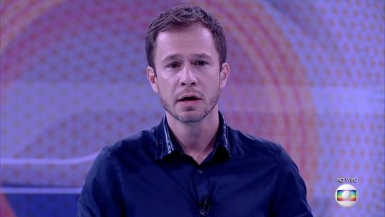 Tiago Leifert anuncia: 'Marcos está eliminado do BBB17'
