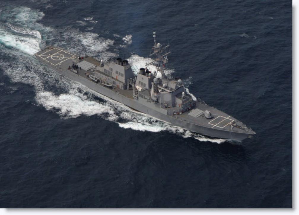 USS Ross, um dos destróieres que lançaram mísseis contra base na Síria (Foto: US Navy)