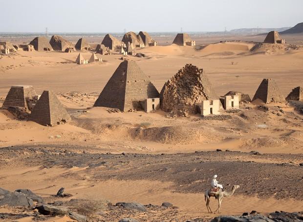 Resultado de imagem para piramides do sudão