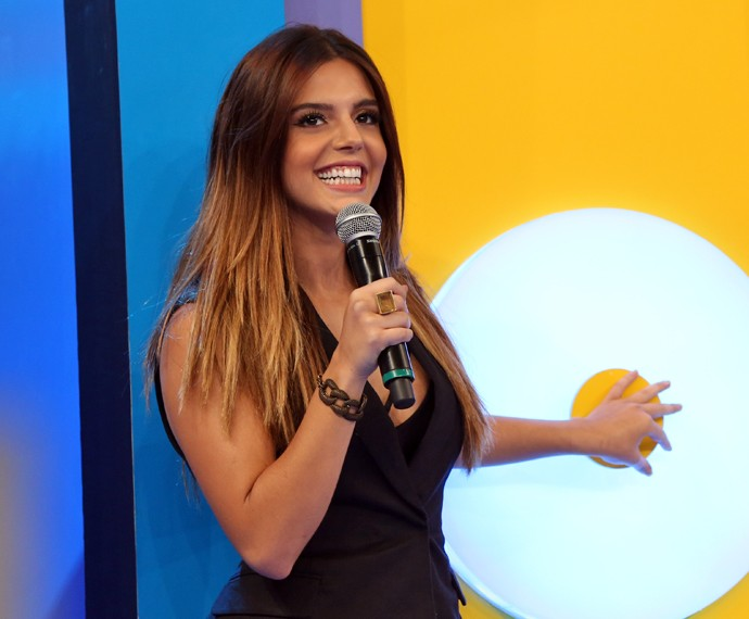 Giovanna Lancellotti participou do 'Ding Dong' no 'Domingão' (Foto: Carol Caminha / Gshow)