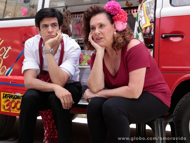 Félix e Márcia estavam desanimados com as vendas fracas (Foto: Felipe Monteiro/ TV Globo)