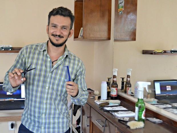 Barbeiro Acre (Foto: Tácita Muniz/G1)