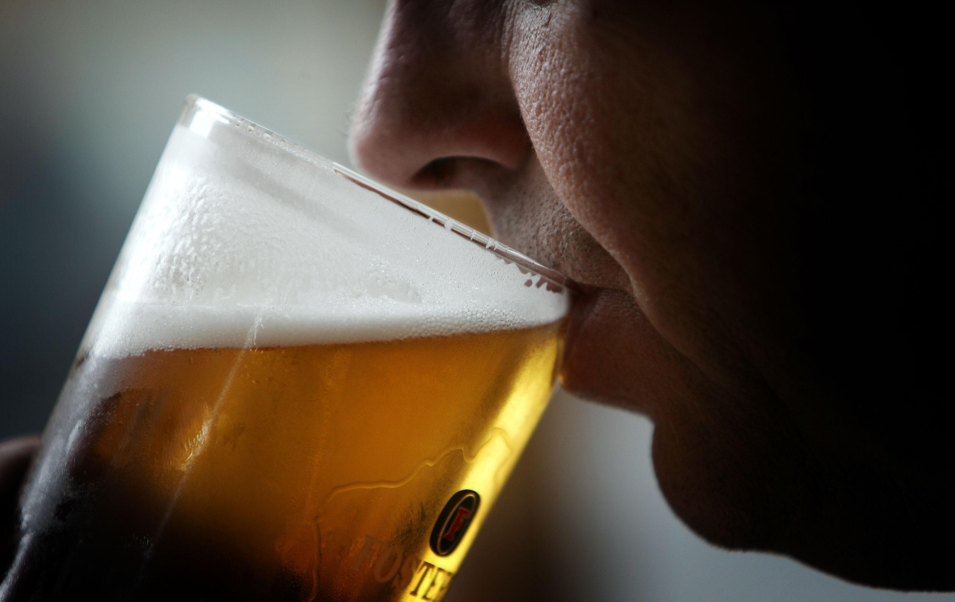 Sommelier de cervejas, uma profissão que exige técnica e paixão pela bebida (Foto: Getty Images)