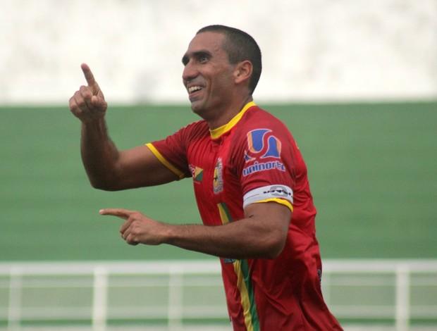 Velásquez, zagueiro do Galvez-AC (Foto: João Paulo Maia)