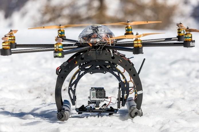 Confira a bateria do drone (Foto: Divulgação/AFP)