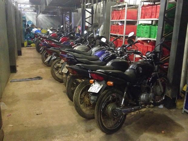 Resultado de imagem para depositos de veiculos roubados da Policia cívil