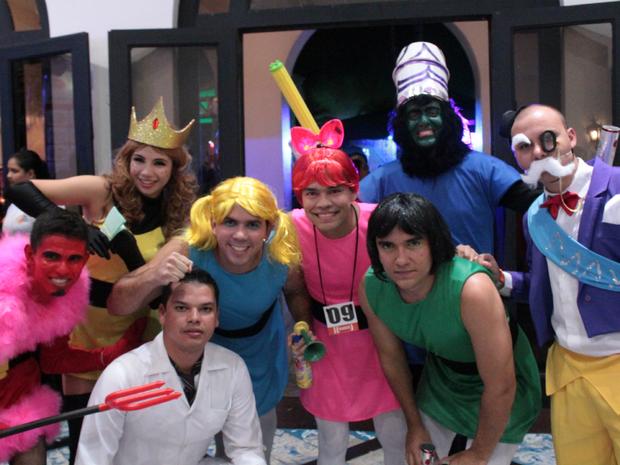Grupo se fantasiou de Meninas Super Poderosas em Manaus (Foto: Marcos Dantas/G1 AM)