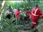 Médico e estudante de medicina morrem após carro cair de ponte