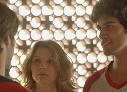 Lucas estraga clima de romance de Juliana e Jabá