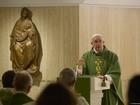 Papa diz que não é possível falar de pobreza e levar vida de faraó