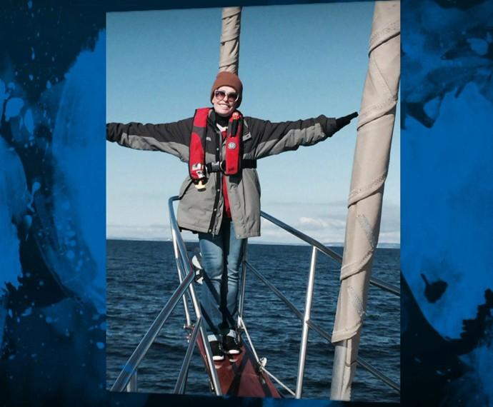 Ana Maria no barco, em Seattle (Foto: TV Globo)