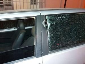 Homem que estava no carro era perseguido por suspeito no momento da batida  (Foto: Blog do Sigi Vilares)