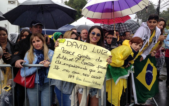 torcedoras Chegada Brasil (Foto: Chris Mussi)
