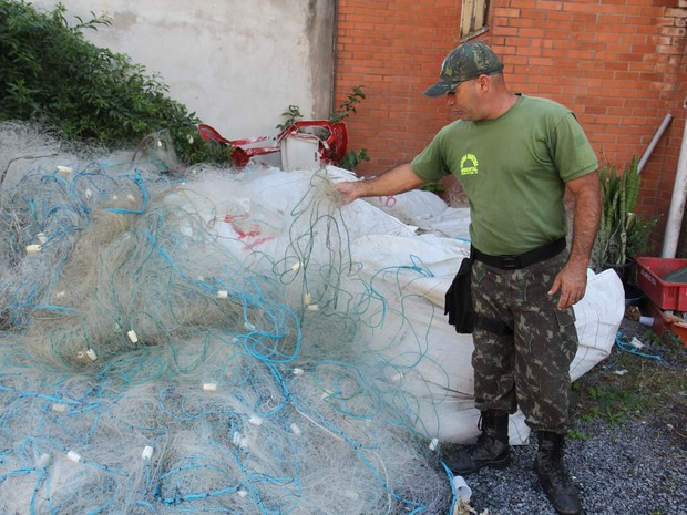 Redes foram apreendidas e levadas para a sede da Guarda Martírima (Foto: Divulgação)
