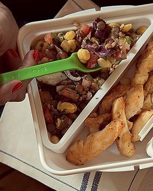 Salada de grãos com frango (Foto: Cacá Bratke/ Editora Globo)