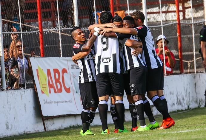 Ao vencer o Tricordiano, Atlético-MG chegou a oito vitórias em oito jogos no Mineiro 2017 (Foto: Bruno Cantini)