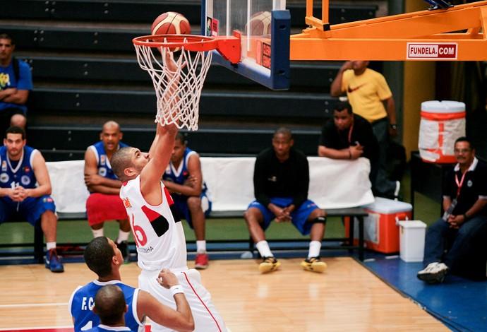 basquete olivinha flamengo e Estrellas Occidentales liga das américas (Foto: Samuel Vélez / FIBA Américas )