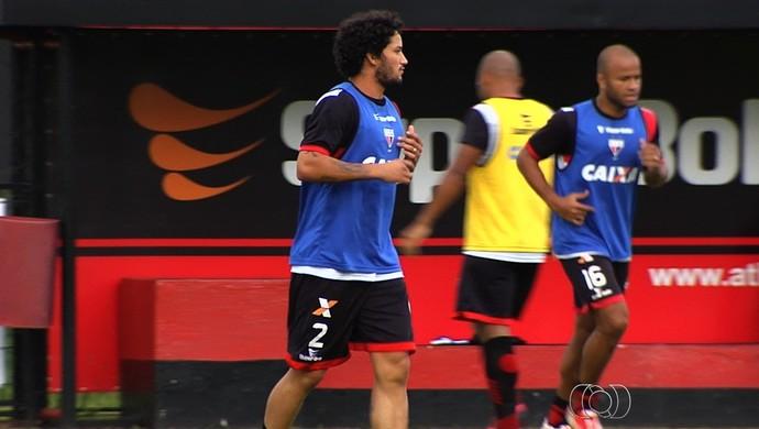 Arthur - atacante Atlético-GO (Foto: Reprodução / TV Anhanguera)
